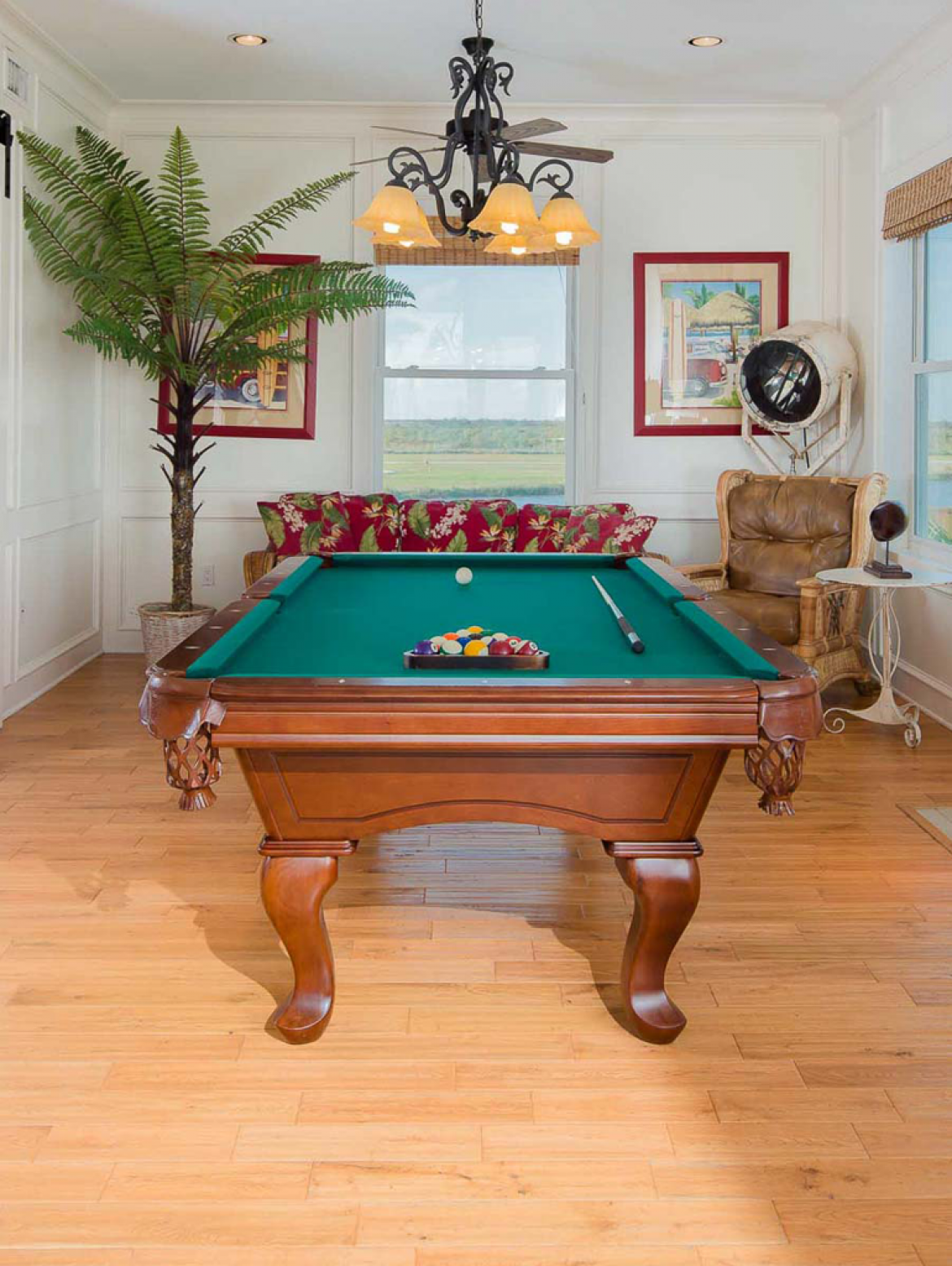 Pool table the ritz of crystal beach for Pool table 6 x 3